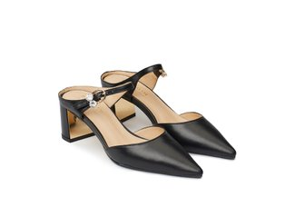 1509-63 Black Pointed Toe Mules