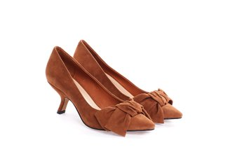 2928-203 Camel Bow Suede Pumps