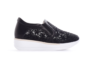 8193-2 Black Embroidered Platform Sneakers