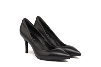 953-109 Black Pointy Toe Pumps