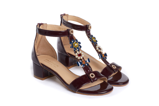 1732-02 Maroon Embellished T-bar Sandals