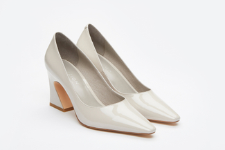 773-3 Light Grey Curved Heel Pumps