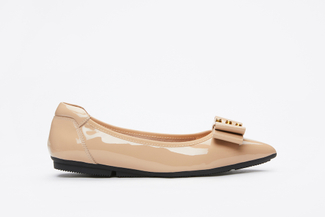 208-13 Almond Glossy Pointed Flats