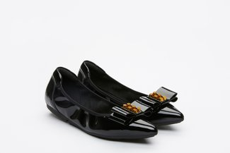 208-13 Black Glossy Pointed Flats