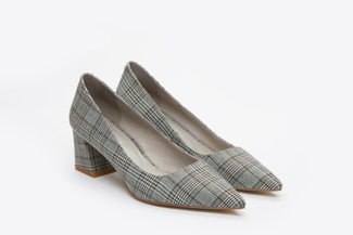 023-2A Grey Tartan Pointed Toes Pumps