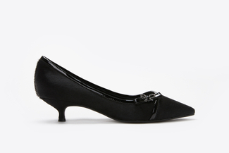 0543-5 Black Pointy-Toe Pumps