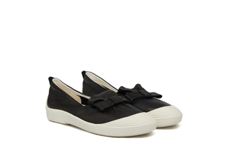 315-5 Black Vintage Bow Sneakers