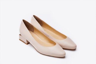 5020-1 Almond Pointy-Toe Pump Heels