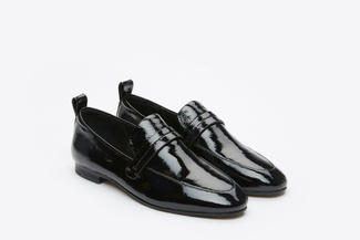 7047-32 Black Slip-On Glossy Leather Loafers