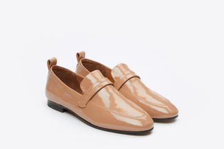 7047-32 Almond Slip-On Glossy Leather Loafers