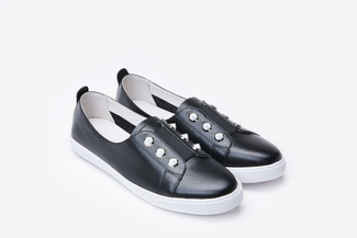 668-3 Black Contrast Stud Embellished Sneakers