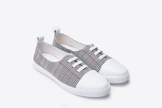 668-5A Red Plaid Casual Cap Toe Sneakers
