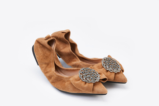 A3660-13 Camel Jewel Brooch Foldable Flats