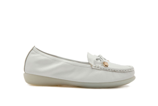 332-28 White Loafers