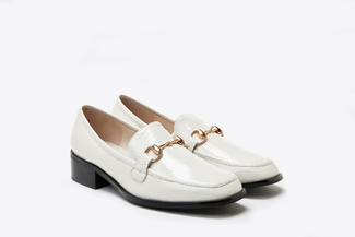 6222-6 Beige Metal Buckle Sleek Classic Loafers