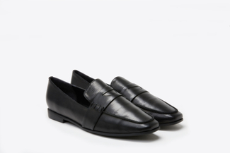 663-181 Black Slip-On Leather Loafers
