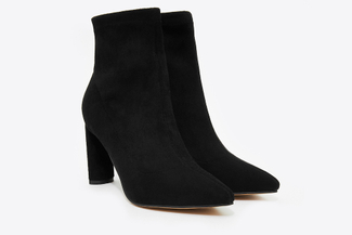 6655-501 Black Pointed Toe Suede Boots