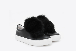 318-16 Black Fluffy Pom Pom Sneakers