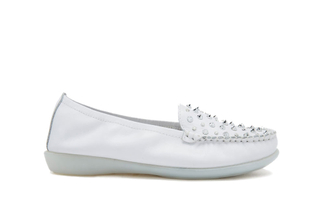 332-68 White Casual Flat