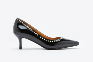 LT8399-13 Black Studded Pointy Toe Heels