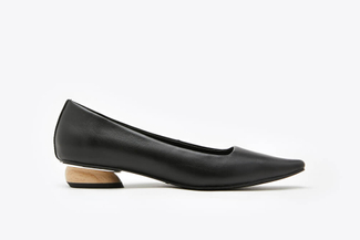 287-1 Black Classic Point Toe Leather Low Heel Pumps