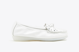 332-67 White Eyelet Bow Loafers