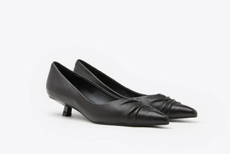 LT233-15 Black Pleated Pointy Front Leather Kitten Heels
