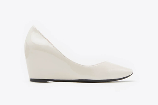 1815-1 Beige Patent Leather Wedge Pumps