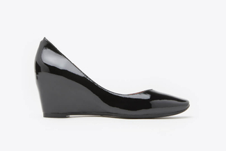 1815-1 Black Patent Leather Wedge Pumps