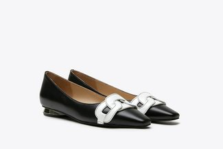 17206-102 Black Tri-Chain Effect Leather Ballet Flats