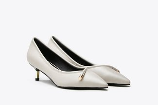 1901-2 Beige Metallic Tip Low Court Leather Heel