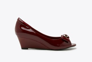 6833-1 Maroon Ribbon Peep Toe Patent Wedges