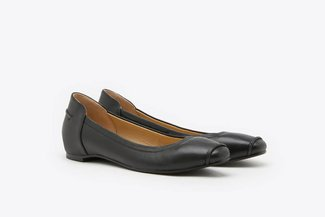 R1900-2 Black Leather Ballet flats