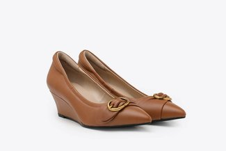 912A-2 Camel Buckled Pointy Toe Leather Wedge Pumps