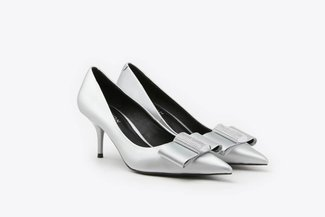 LT183-12 Silver Crystal-Embellished Ribbon Pointy Toe Leather Pumps