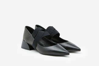 7018-16 Black Crossover Strap Pointy Low Leather Pumps
