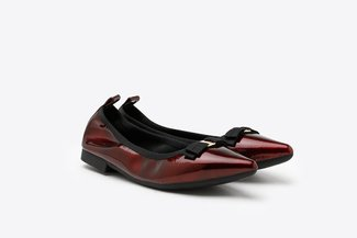 2882-3 Wine Bow Patent Pointed Flats