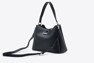 900299 Black Relaxed Cross-Body Handbag